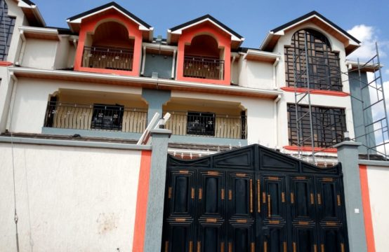 7 Bedroom Town House for sale 35,000,000